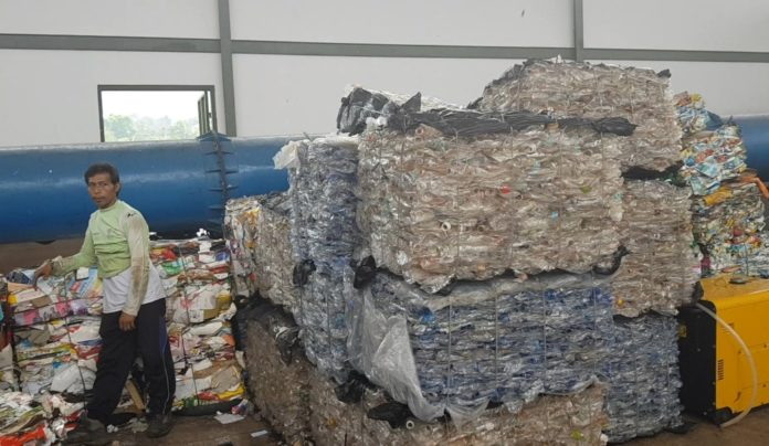 Making plastic wastes into useful products with pyrolysis process