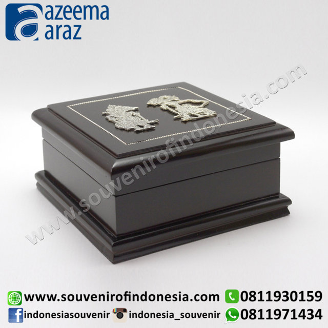 Souvenir Indonesia Box Multifungsi Kayu Wayang Logam M (Indonesia Wooden Exclusive Souvenir Puppet Multipurpose Box M)