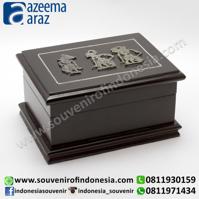 Souvenir Indonesia Box Multifungsi Kayu Wayang Logam S (Indonesia Wooden Exclusive Souvenir Puppet Multipurpose Box S)