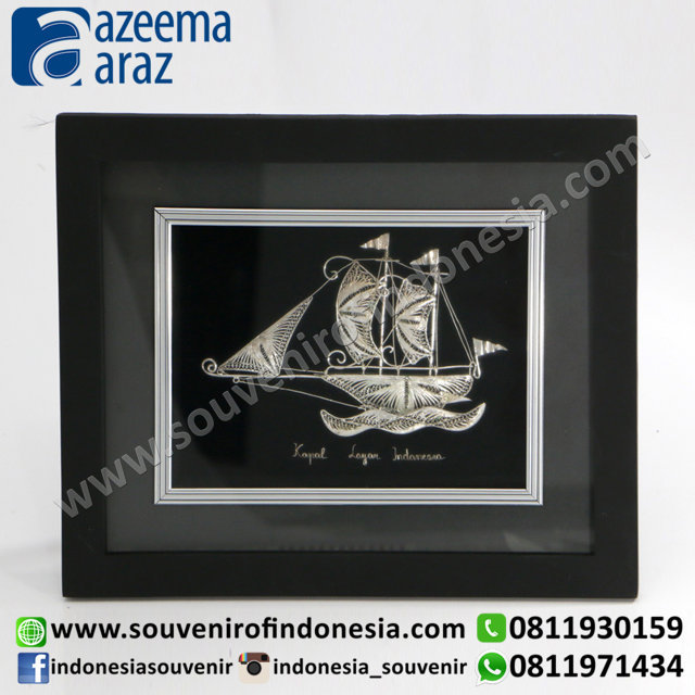Souvenir Indonesia Kapal Layar Pigura Hitam Silver 3D (Framed Traditional Ship Silver Miniature)