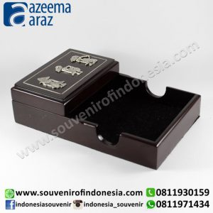Souvenir Indonesia Memo Ungkit Kayu Wayang Logam Perak Exclusive (Indonesia Wooden Exclusive Souvenir Puppet Memo Box)