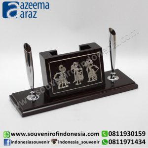 Souvenir Indonesia Pen Holder 3 Wayang Kayu Exclusive (Indonesia Wooden Exclusive Souvenir 3 Puppet Pen Holder)