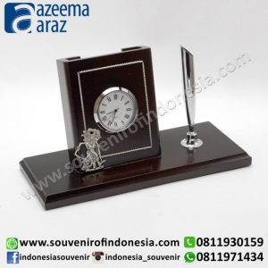 Souvenir Indonesia Pen Holder Jam Wayang Kayu Exclusive (Indonesia Wooden Exclusive Souvenir Puppet Clock Pen Holder)