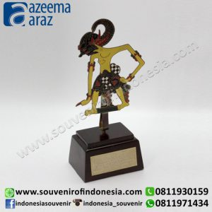 Souvenir Indonesia Tempat Kartu Nama Wayang Logam Warna (Indonesia Souvenir Coloured Puppet Name Card Holder)